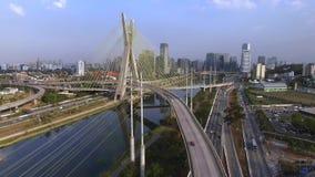 Configuración moderna Puentes modernos Lazo de dos diversos puntos El cable permanecía el puente en el mundo, sao Paulo Brazil metrajes