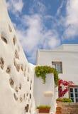 Configuración tradicional del pueblo de Oia en la isla de Santorini Imagenes de archivo