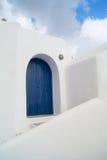 Configuración tradicional del pueblo de Oia en la isla de Santorini Fotografía de archivo