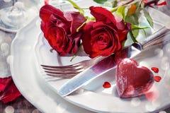Configuración de lugar para el día de tarjetas del día de San Valentín Fotografía de archivo libre de regalías