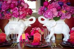 Configuración de lugar para la boda india Foto de archivo libre de regalías