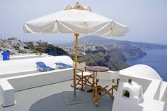 Configuración tradicional griega en el isla de Santorini Imagen de archivo libre de regalías
