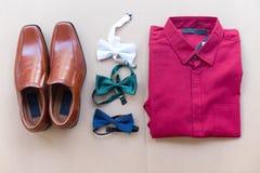 Configuration d'appartement d'accessoires d'homme moderne ou de marié photo stock