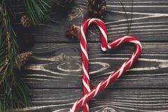 Configuration d'appartement de sucrerie de Noël lucettes de canne de menthe poivrée de Noël dedans Images libres de droits
