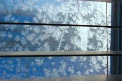 Configuration de gel sur l'hublot de l'hiver photo stock