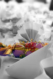 Configuration de mariage ou de table d'anniversaire, couleur modifiée Photographie stock libre de droits