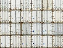 Configuration de pile de récipient d'expédition au dép40t photo stock