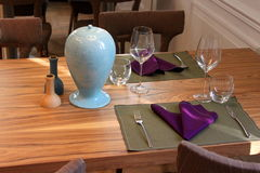 Configuration de place fine de table de dîner de restaurant Image stock
