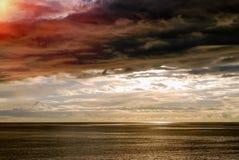 Configuration de Sun avec des nuages Photos libres de droits