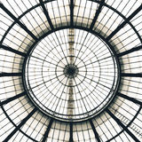 Configuration en verre de dôme de plafond, Milan, Italie Photo libre de droits