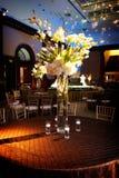 Configuration raffinée de table à une réception de mariage Photos stock