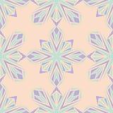 Configuration sans joint florale Fond beige avec les éléments violets et bleus de fleur Photo libre de droits