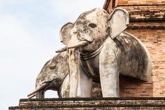 Configurazione antica della pagoda dal mattone a Wat Chedi Luang in Chiang Mai Fotografie Stock Libere da Diritti