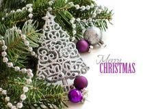 Confine d'argento e porpora degli ornamenti di Natale Fotografia Stock Libera da Diritti
