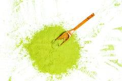 Confine del punto di vista superiore in polvere del tè verde immagine stock
