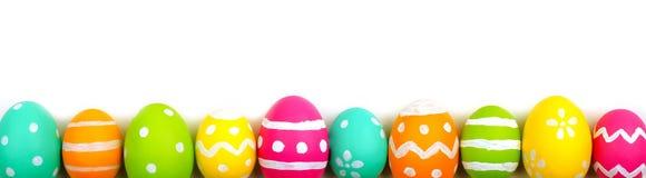 Confine dell'uovo di Pasqua sopra bianco Fotografie Stock
