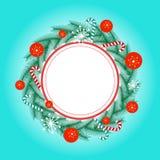 Confine della corona con la caramella e le palle di Natale Fotografie Stock Libere da Diritti