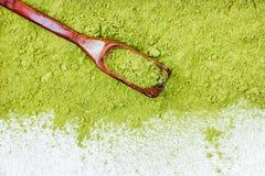 Confine della fine in polvere di punto di vista superiore del tè verde su immagine stock