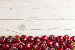 Confine delle ciliege fresche immagine stock libera da diritti