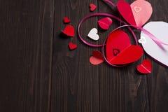 Confine di mettere di carta rosso di amore di media dei cuori Fotografia Stock