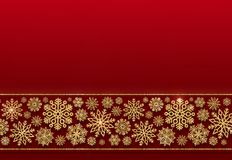 Confine di Natale dei fiocchi di neve dorati su un fondo rosso Fotografie Stock Libere da Diritti