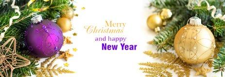 Confine porpora e dorato degli ornamenti di Natale Fotografie Stock Libere da Diritti