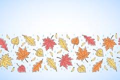 Confine senza cuciture orizzontale disegnato a mano delle foglie di autunno Fotografie Stock Libere da Diritti