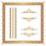 Confini d'annata e strutture dell'oro su bianco Fotografie Stock