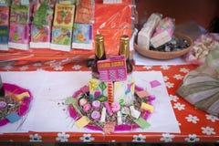 Confitería colorida y ofertas en Market Mercado de las Brujas de las brujas en La Paz, Bolivia imagen de archivo libre de regalías