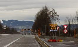 A10, confiture à la route de contrôle aux frontières, Walserberg Images libres de droits