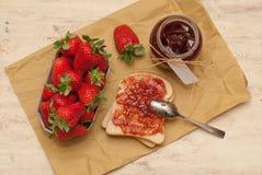 Confiture de fraise faite maison Image stock
