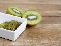 Confiture de kiwi et kiwi Photos stock
