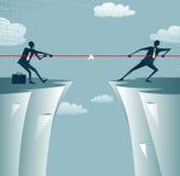 Conflit abstrait d'hommes d'affaires sur une falaise. Images libres de droits