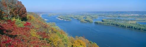 Confluence av Mississippi och Wisconsin floder royaltyfri fotografi