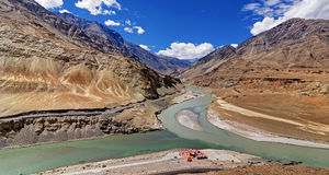 Confluence of Zanskar and Indus rivers - Leh, Ladakh, India Stock Image