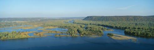 Confluent des fleuves du Mississippi et de Wisconsin image stock