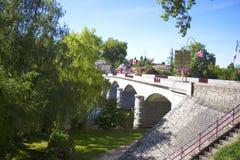 Confolens - Francia - confolens viejos de un puente Foto de archivo