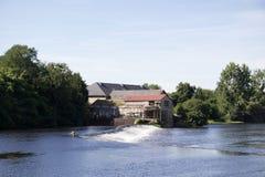 Confolens - Francia - un molino viejo por el río Foto de archivo libre de regalías
