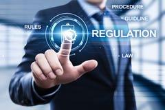 A conformidade regulamentar ordena o conceito padrão da tecnologia do negócio da lei Imagem de Stock