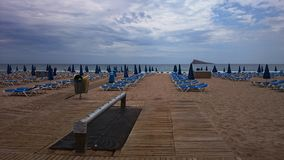 Confortable strand, Alicante, Spanien Arkivbild