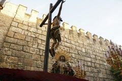 Confrérie de Santa Cruz pendant la semaine sainte en Séville photo libre de droits