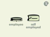 Confronto dei soldi del portafoglio fra l'impiegato ed il lavoratore autonomo Fotografie Stock