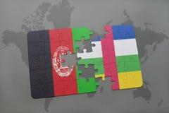 confunda com a bandeira nacional de Afeganistão e de Central African Republic em um fundo do mapa do mundo Imagem de Stock