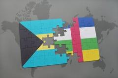 confunda com a bandeira nacional de bahamas e de Central African Republic em um mapa do mundo Fotografia de Stock Royalty Free