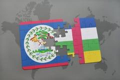 confunda com a bandeira nacional de belize e de Central African Republic em um mapa do mundo Imagens de Stock Royalty Free