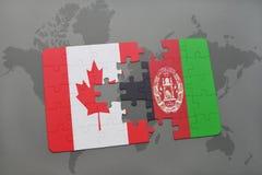 confunda com a bandeira nacional de Canadá e de Afeganistão em um fundo do mapa do mundo Imagens de Stock Royalty Free