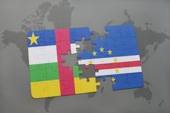 confunda com a bandeira nacional de Central African Republic e de Cabo Verde em um mapa do mundo Imagens de Stock