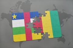 confunda com a bandeira nacional de Central African Republic e de Guiné em um mapa do mundo Imagem de Stock