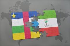 confunda com a bandeira nacional de Central African Republic e de Guiné Equatorial em um mapa do mundo Fotografia de Stock