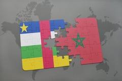 confunda com a bandeira nacional de Central African Republic e de Marrocos em um mapa do mundo Imagem de Stock